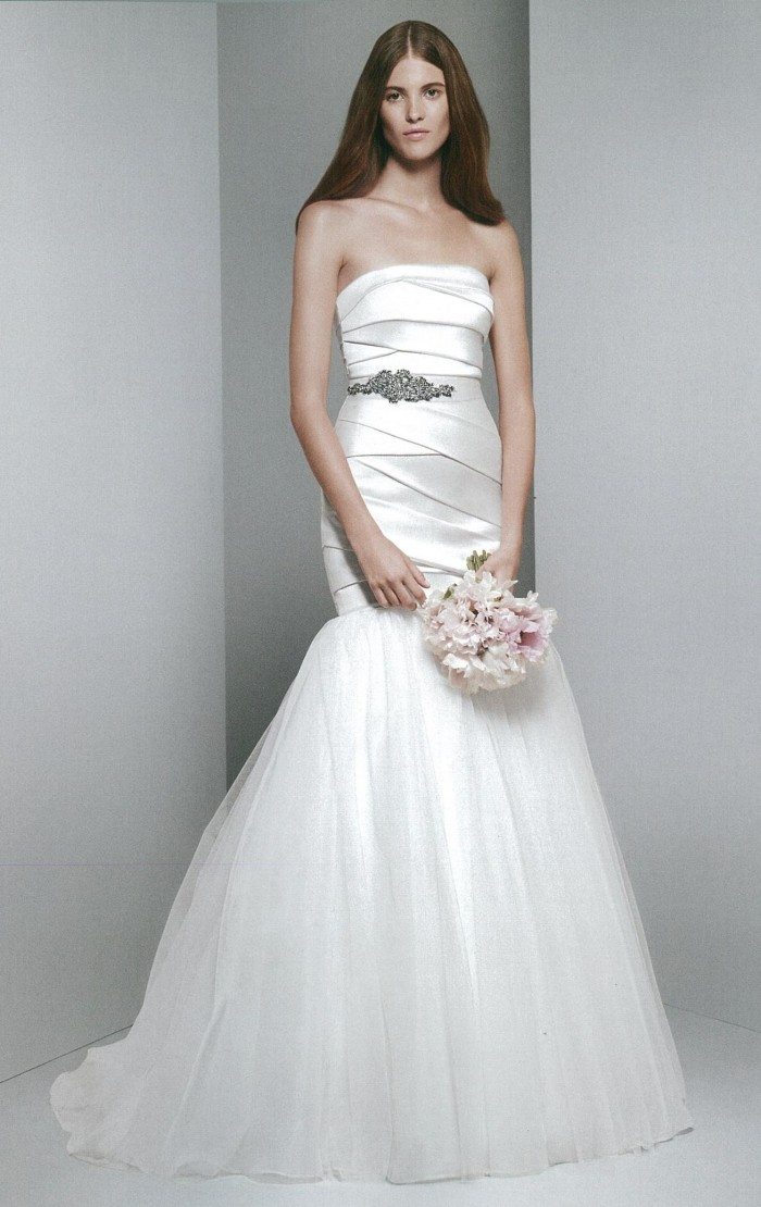 White by vera wang sexy wedding dress with beautiful for Vera wang wedding dresses rent