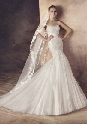 Avenue Diagonal Wedding Dress / Avenue Diagonal 婚紗系列 - LMR Weddings