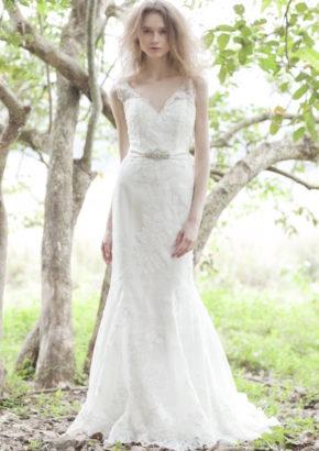 Atelier Lyanna - V neck mermaid wedding dress for rent - hong kong -01
