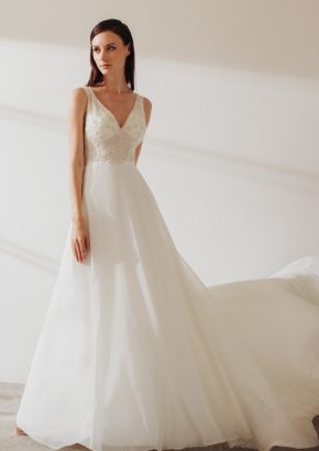 LM-By-Lusan-Mandongus-2019-Carine-Embellished-V-neck-chiffon-wedding-dress-01