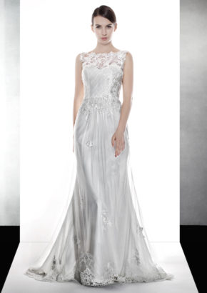 LM mermaid wedding dress in tulle with embroidery on the illusion detail 1