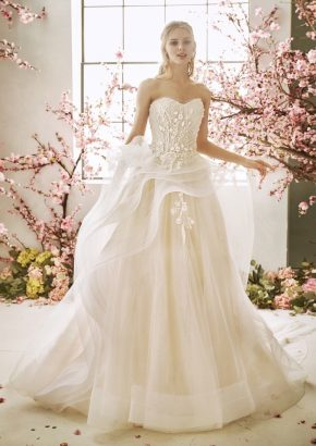La-Sposa-Callalily-beaded-flowers-ruffle-princess-wedding-dress_01