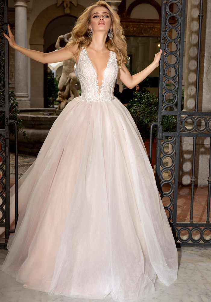 89936c5f0ce Louise Sposa
