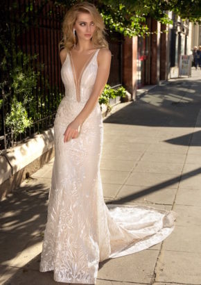 Louise-sposa-hollyn-embellished-sexy-mermaid-wedding-dress-02