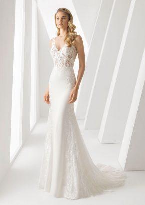 Rosa-Clara-Danielle-floral-lace-crepe-wedding-dress_01
