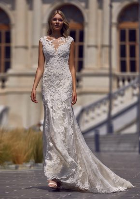 St-patrick-2020-bridal-Leticia-lace-embroidered-wedding-dress_01