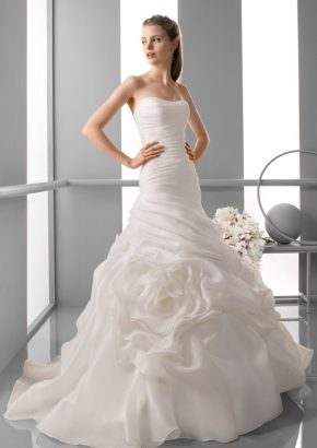 alma-novia-FILIPINAS-draped-fit-flare-wedding-dress_01