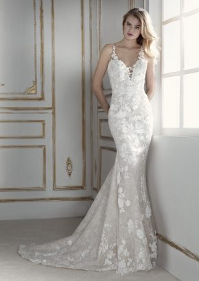 la-sposa-2018-bridal-pastora-floral-embroidered-sensual-mermaid-lace-wedding-dress-01