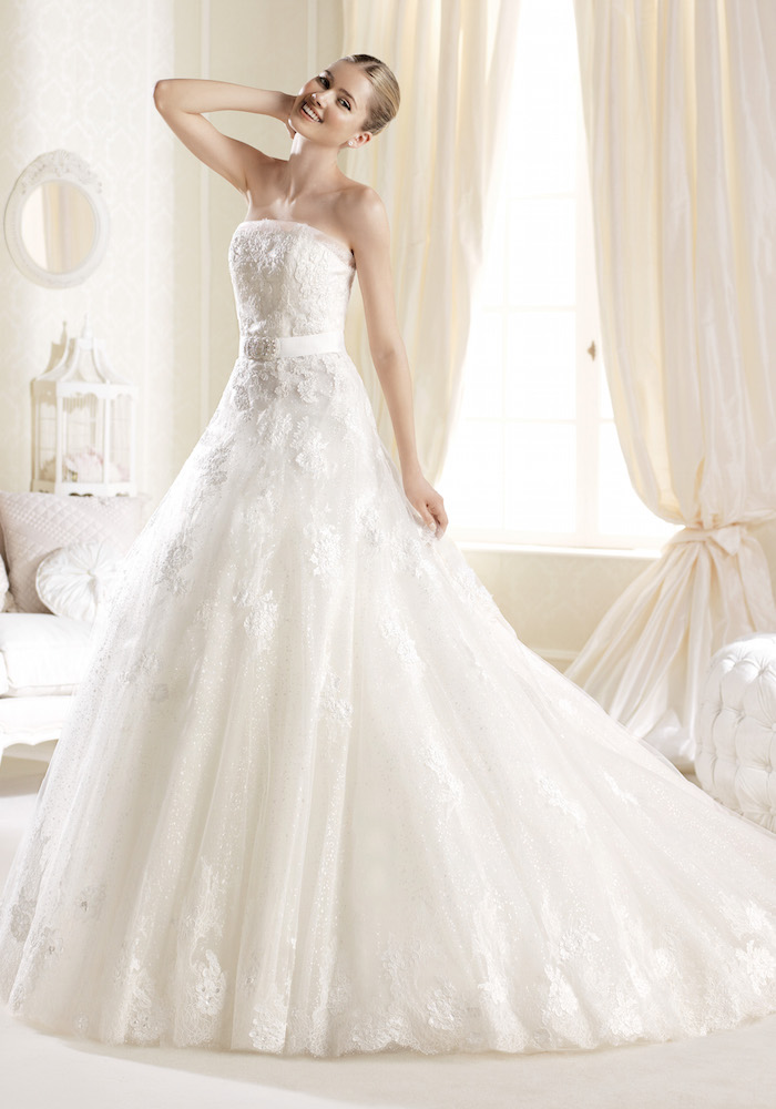 800c0c101c15 la sposa A-line wedding dress feature embroidery and crystal ...