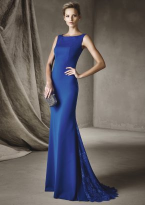 pronovias-CIPRIANE-elegant-mermaid-blue-crepe-gown_01