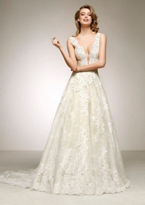 pronovias-devany-floral-lace-v-neck-wedding-dress_01