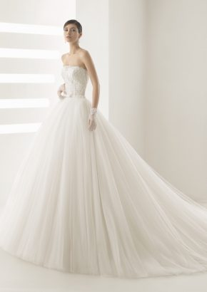 rosa-clara-OLSON-beaded-strapless-princess-wedding-dress_01
