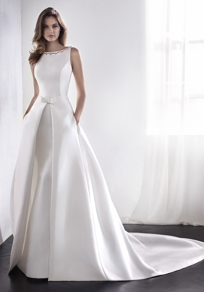 St. Patrick 2018 | Embellished Elegant Mermaid Wedding Gown | LMR ...