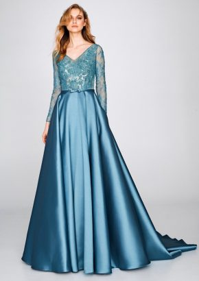 st-patrick-2019-cocktail-collection-8358-tattoo-effect-long-sleeves-princess-evening-gown-01