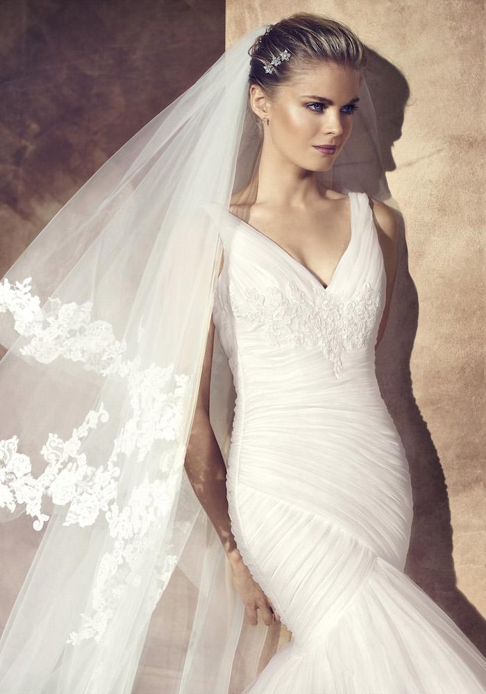 Avenue Diagonal Wedding Dress / Avenue Diagonal 婚紗系列 - LMR Weddings