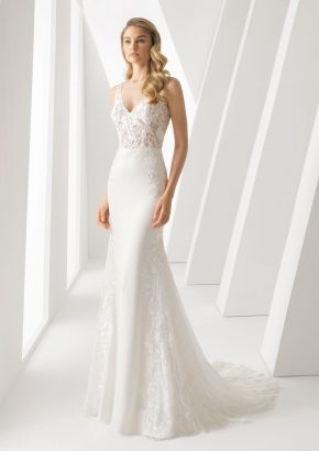 Rosa-Clara-Danielle-floral-lace-crepe-wedding-dress_01