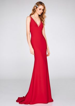 St-patrick-2019-cocktail-collection-8326-embellished-body-hugging-mermaid-red-evening-gown-in-crepe-01