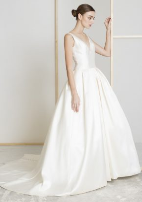 lm-lusan-mandongus-2020-bridal-DONNA-minimalist-v-neck-satin-ball-gown_01