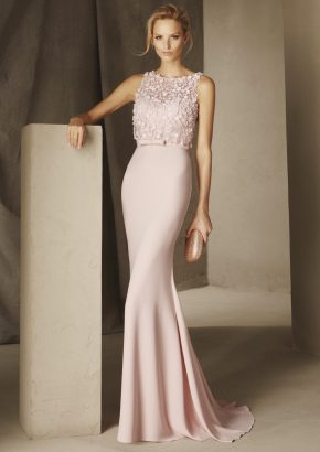 pronovias-BROOKLYN-embroidered-floral-mermaid-pink-crepe-gown_01