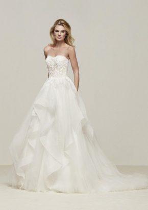 pronovias-draval-embroidered-lace-ruffle-wedding-dress_01