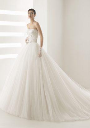 rosa-clara-OLSON-beaded-strapless-princess-wedding-dress_01