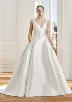 st-patrick-2020-bridal-LANNES-mikado-princess-wedding-dress-keyhole-back_01
